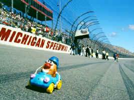 National Association  Stock  Auto Racing Setup on Racing In The Irish Hills Of Michigan