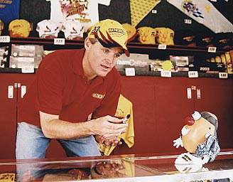 National Association  Stock  Auto Racing Thunder 2003 on Nascar Driver Kenny Wallace Tries To Suck Up To Spud For His Autograph